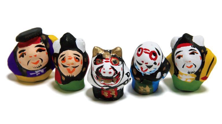 備中神楽人形(5体セット)1,700円(晴れの国おかやま館☎086・234・2270)。