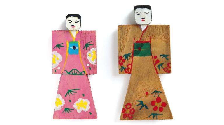 おぼこ人形各400円(奈良田の里☎0556・48・2552)。