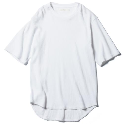 カシミヤコットンのワッフルTシャツ 27,000円(セヤ/スーパーエーマーケット☎03・3423・8428)