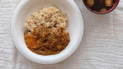 91歳東城百合子さんの元気の素、野菜だけのカレーをいただく。 クロワッサン 編集部こぼれ話 No.949