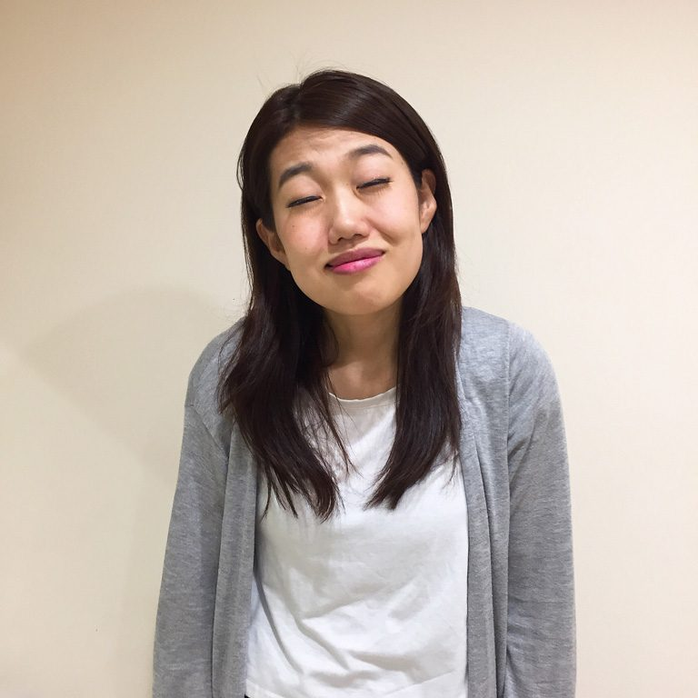 こちらはどなたの顔マネでしょうか!? 答えは…、参加女性の一人、奔放な活躍ぶりで人気の鶴愛佳さんです。
