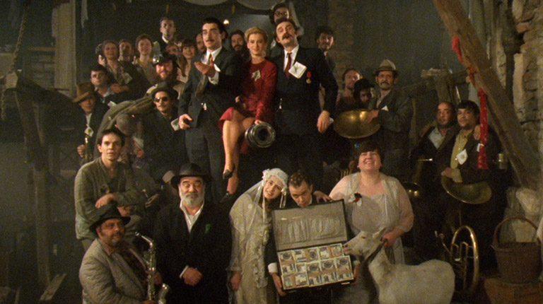 エミール・クストリッツァ監督 『アンダーグラウンド 完全版』、劇場招待券を3組6名に。