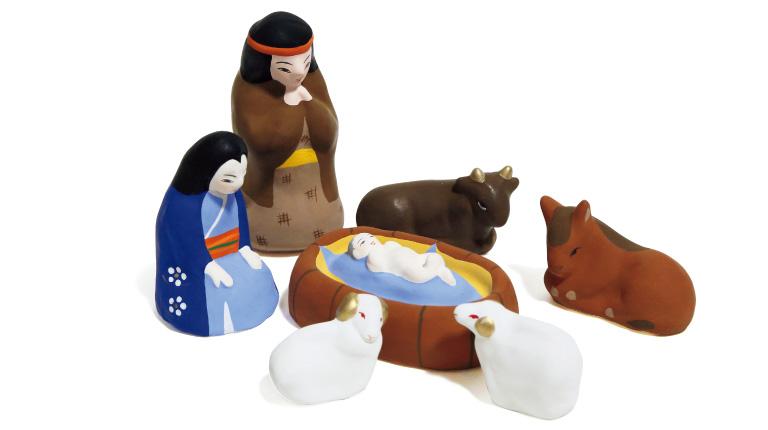 家畜小屋で生まれたという伝承通り、雄牛、ロバ、羊が見守っている。イエス誕生5,400円*セット(佐土原人形ますや☎0985・74・4349)。
