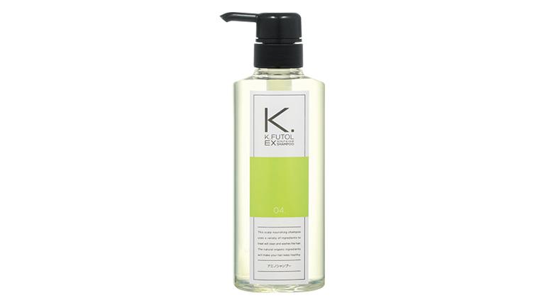 """""""育てるために頭皮を洗う""""、「ケフトル アミノシャンプーEX」は、毛穴に詰まった皮脂汚れを、馬油やオレンジ油などのオイルクレンジング成分が浮かせて取り除き、優しく洗うアミノ酸系シャンプー。キャピキシル、ノコギリヤシエキスなどの44種もの天然ミネラルや植物エッセンスを配合して、頭皮を健やかに保ち、髪にハリ・コシをプラス。合成着色料、合成香料、シリコン、石油系界面活性剤等、無添加。ナチュラルハーブの香り。500ml 4000円"""