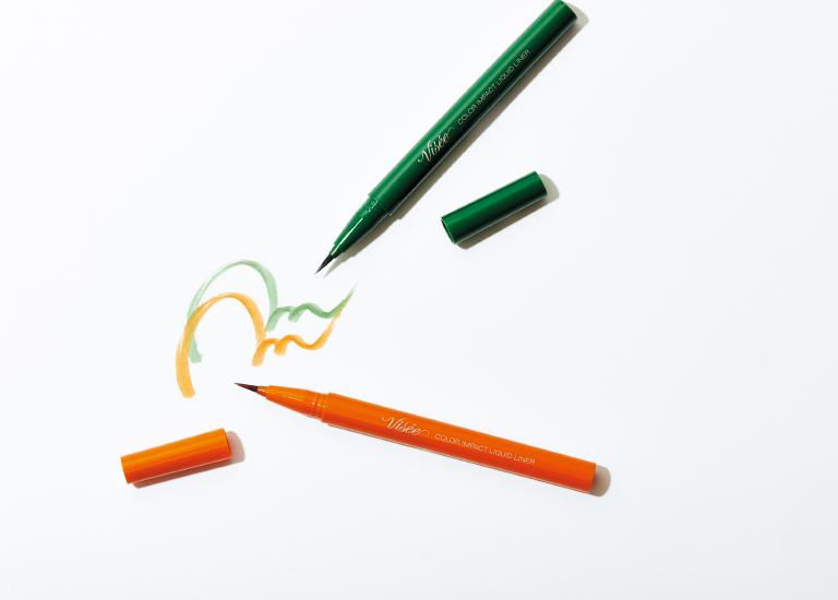 ヴィセリシェ カラーインパクト リキッドライナー(上からGR740、OR240)各¥1,000(コーセー☎0120・526・311)