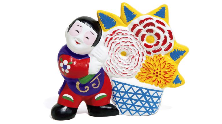 花籠5,000円(中山人形の樋渡人形店☎0182・32・1560)。