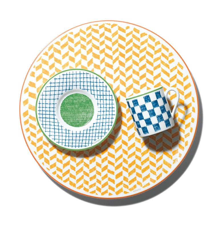 HERMÈS picnic everywhere