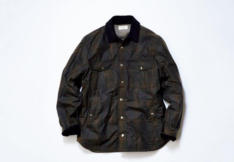 エスプリの利いたオイルドジャケット。