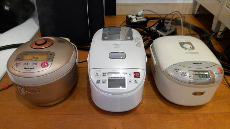 管理栄養士と編集担当が自宅から炊飯器を持参。