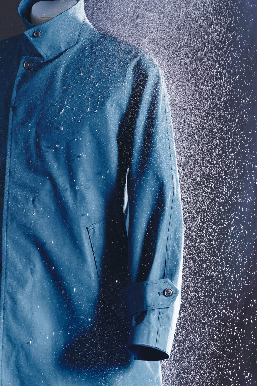 GORE−TEX®ステンカラーコート65,000円(ナナミカ/ナナミカ代官山☎03・5728・6550)