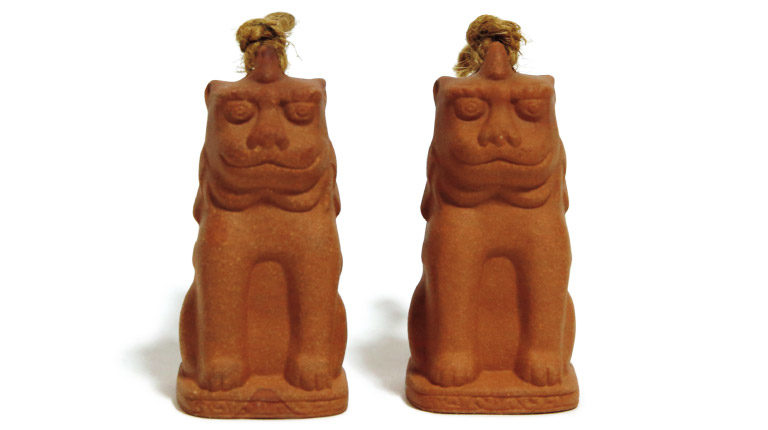 お願い狛犬。1,000円*1対(深川神社☎0561・82・2764)。
