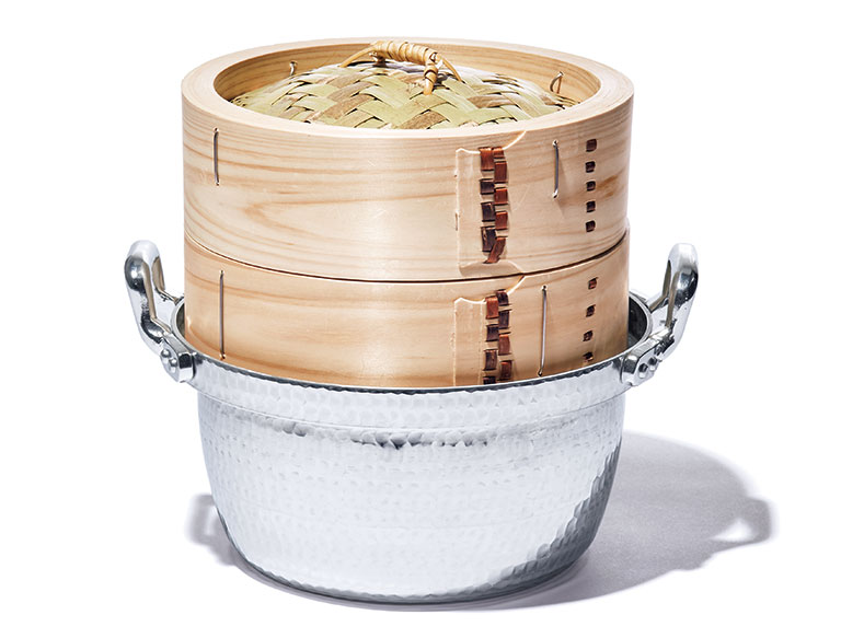 〈釜浅商店〉のせいろ、鍋