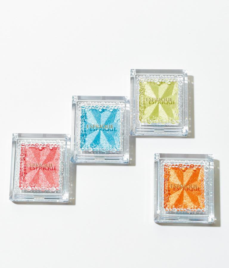 セレクト アイカラー N(右からOR207、GR702、BL906、PK813)各¥800*編集部調べ 限定発売(コーセー☎0120・526・311)