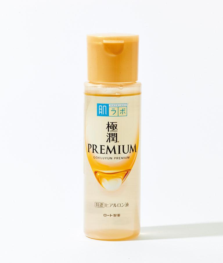 肌に優しい処方。肌ラボ 極潤プレミアム ヒアルロン液 170ml ¥900(ロート製薬☎06・6758・1272)
