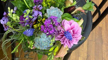 誌面で頭につけてくださったお花、上から見るとこんな感じでした!