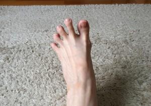 【Vol.4】サンダルやペタンコ靴の足の疲れに、アーチをつくる足指トレ!
